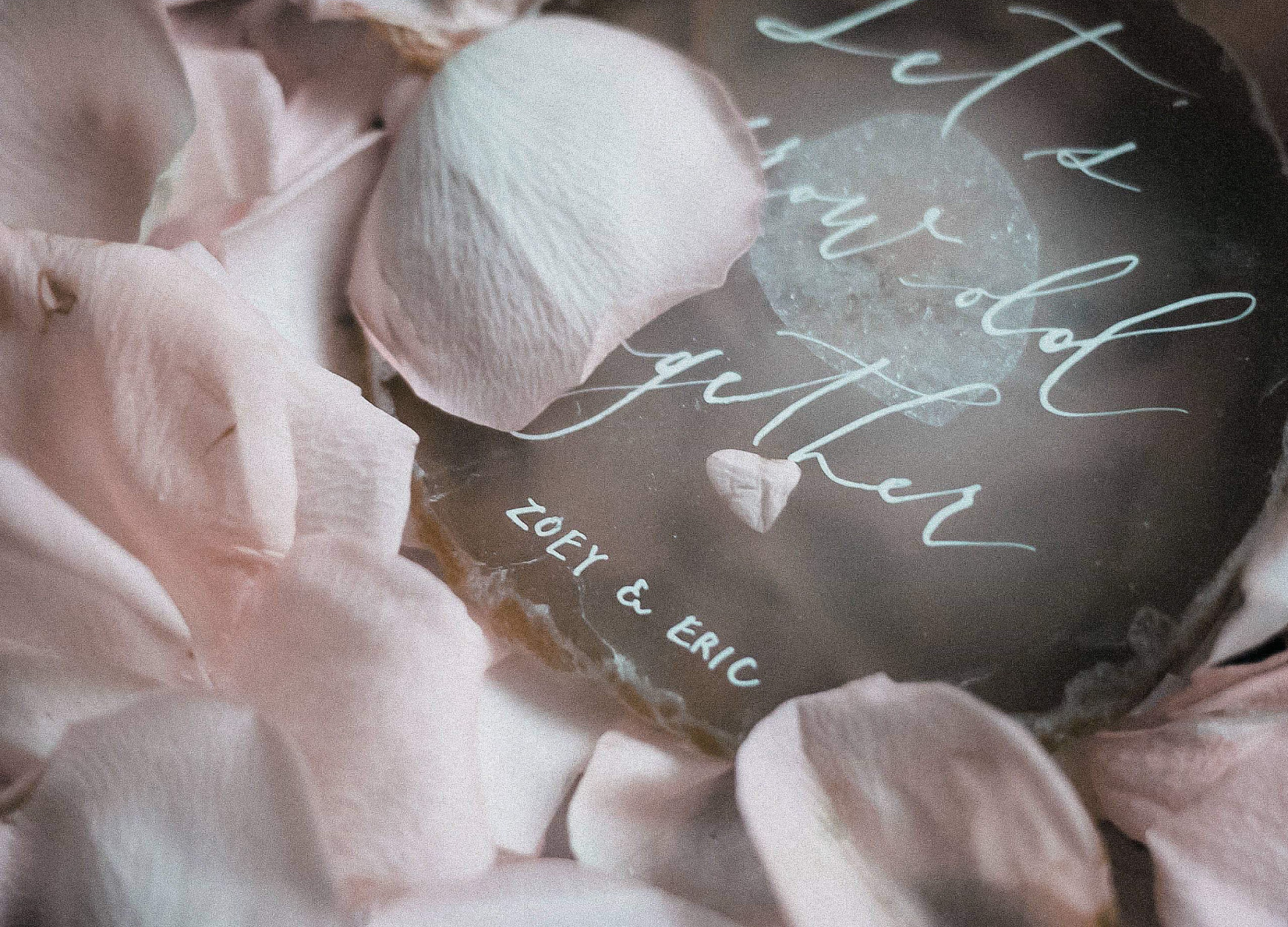 wedding-stationery-agate with roses petals