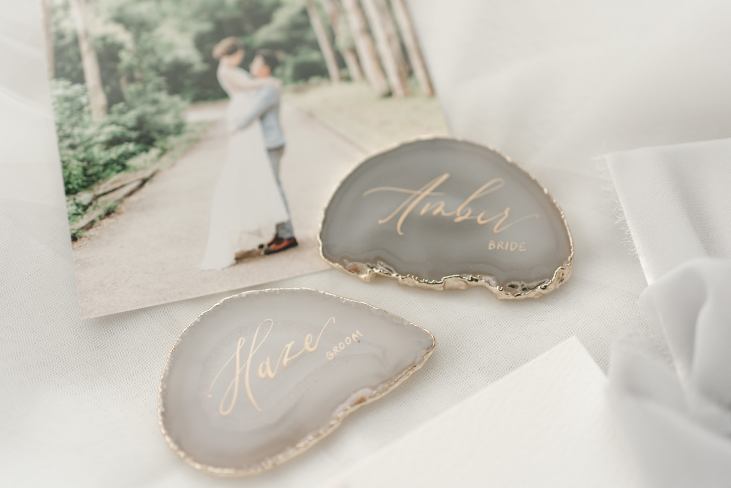 wedding-grey-agate-with-gold-calligraphy