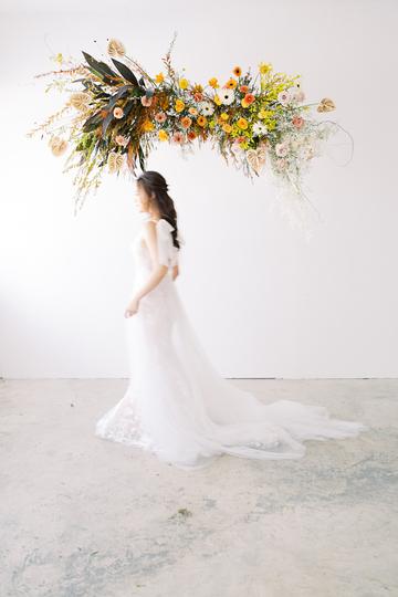 autumn wedding floral-bridal shoot